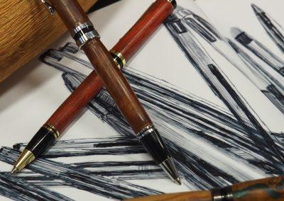 Produzione penne in legno e resina